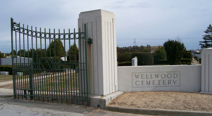 wellwood-cemetery-entrance-west-babylon